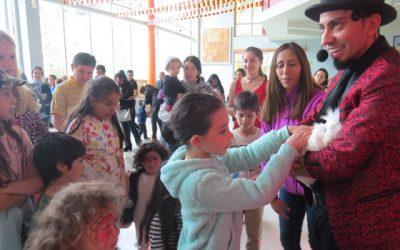 Cinco razones para incluir un show de magia para colegios